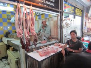 宗教上の理由で「ラム肉」が多く売られていました