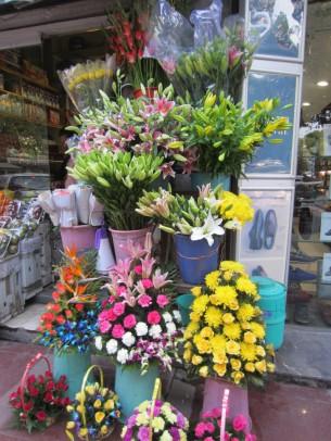 可愛らしい花束が並んでいました