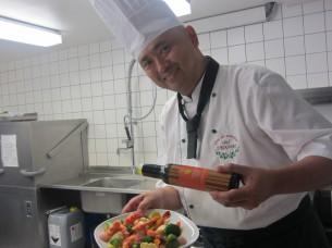 この料理には、クロアチア産の上質なEXVオリーブオイルをかけました