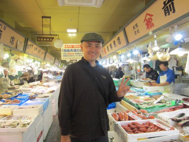 函館市内の「小売自由市場」には、上質で新鮮な食材が豊富に揃っていました