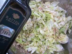 「生キャベツのオリーブ醤油風味」も、その旨味が引き出されて美味しいですよ!