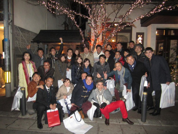 日本全国、世界各地で活躍されているみなさんが、博多に集まり、盛大な忘年会になりました。