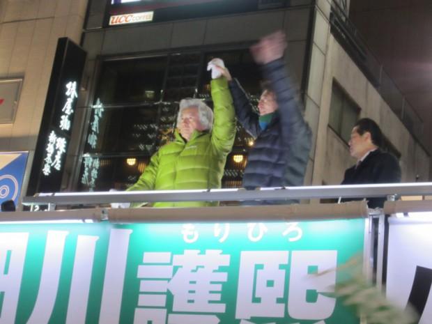 細川護熙候補と小泉純一郎氏、さすがに総理経験者のおふたりだけあって、演説も「オ―ラ」と「パワー」に満ち溢れていました