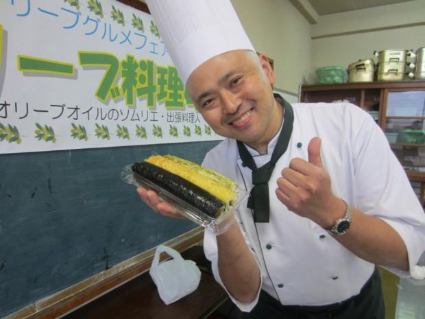 天草市「うまかや」さんの太巻き寿司には、旨くEXVオリーブオイルが使われていて美味しいですよ!